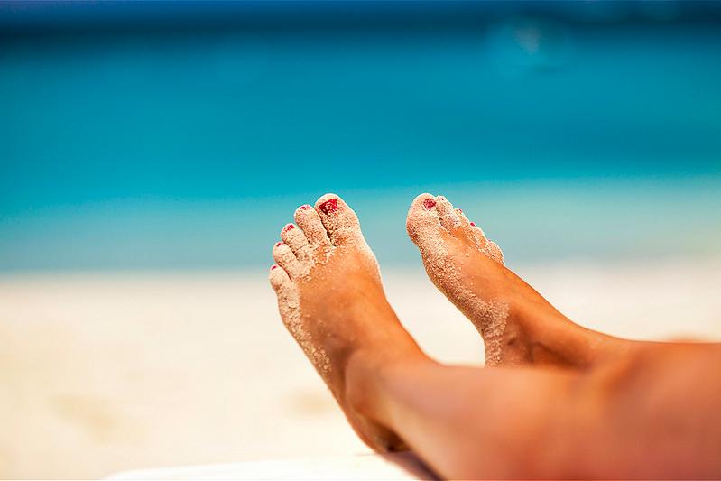 Happy Sandy Feet by Tobias Lindman